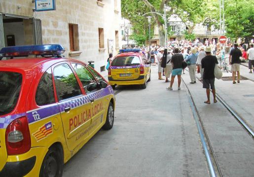 Dos agentes de la Policía Local de Sóller resultaron heridos durante la riña.