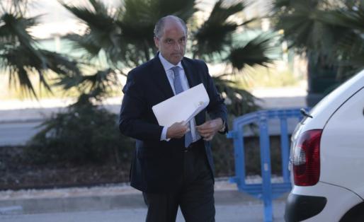 Francisco Camps, a su llegada a la EBAP para declarar como testigo en el juicio del caso Nóos.
