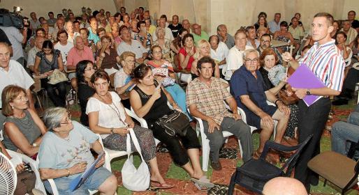 La convocatoria de la plataforma tuvo una amplia respuesta por parte de los vecinos afectados por la reforma de la Platja de Palma.