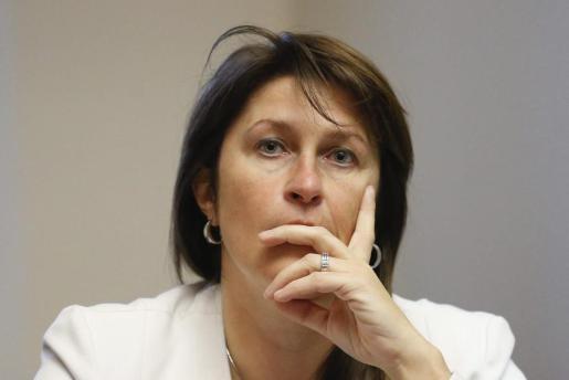 Foto de archivo de la ministra belga de Movilidad, Jacqueline Galant, durante una vista en el Parlamento belga en Bruselas (Bélgica).