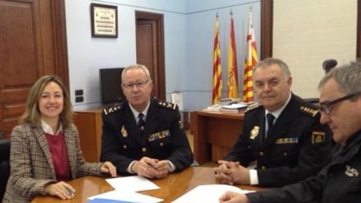 La Universidad Abat Oliba CEU y la Policía Nacional en Cataluña han firmado un convenio que permitirá a los alumnos de criminología hacer prácticas en el cuerpo policial.