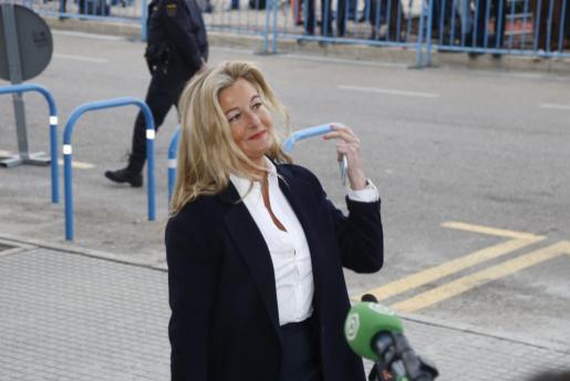 La abogada de Manor Limpias Virginia López Negrete durante una de las sesiones del macrojuicio por el caso Nóos.