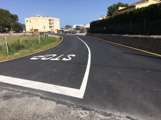 Una de las vías asfaltadas.