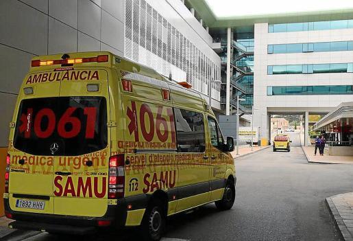 La víctima sufrió quemaduras graves y fue evacuado en ambulancia a Son Espases.