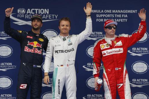 Los pilotos Daniel Ricciardo, Nico Rosberg y Kimi Raikkonen.