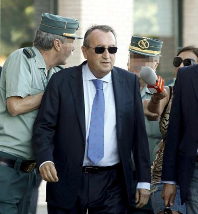 Fotografía de archivo, tomada el 29/10/2013, del expresidente de la Diputación de Castellón con el Partido Popular, Carlos Fabra, condenado por corrupción.