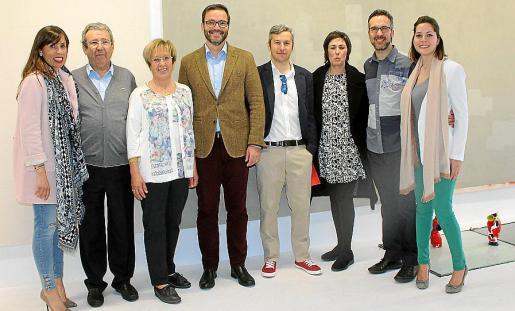 Beatriz Avelar, Miguel Reus, Paquita Méndez, José Hila, Fran Reus, Francisca Niell, Carlos Reus y Giovanna Darocco, en galería Fran Reus.