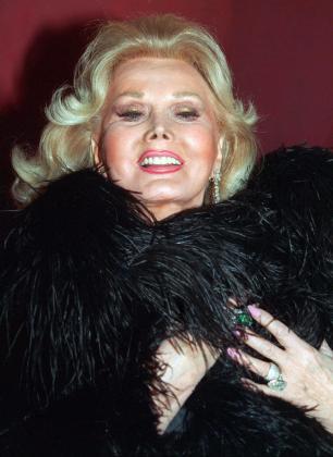 Fotografía de archivo tomada el 21 de febrero de 1994 que muestra a la actriz Zsa Zsa Gabor.
