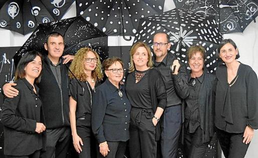 Lourdes Morell, Carlos Cerdá, Magdalena Riera, Merçé Alabern, Cati Catalá, Javier Pericás, Gloria Bernardos e Isabel Pizá.