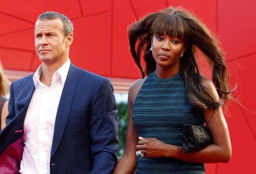"""Naomi Campbell ha asistido con su novio, Vladimir Doronin, al pase de la película """"Miral"""" en el Festival de Venecia."""