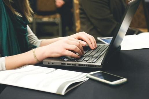 Las 'start-up' suele asociarse a la figura del joven emprendedor que buscando su propia empleabilidad.