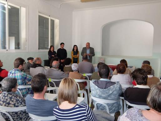 Garrido, el alcalde de Maria, Espeja y Ensenyat durante la reunión.