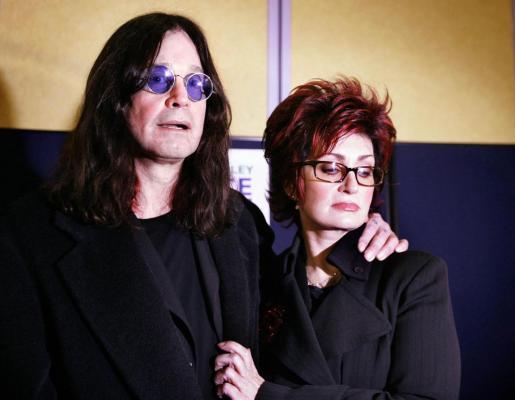 Fotografía de archivo de Ozzy y Sharon Osbourne.
