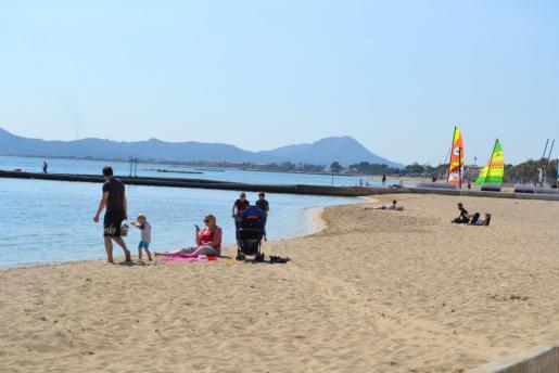 Vista de una playa del Port de Pollença.