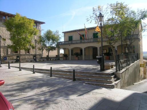 Edificio consistorial de Montuïri.