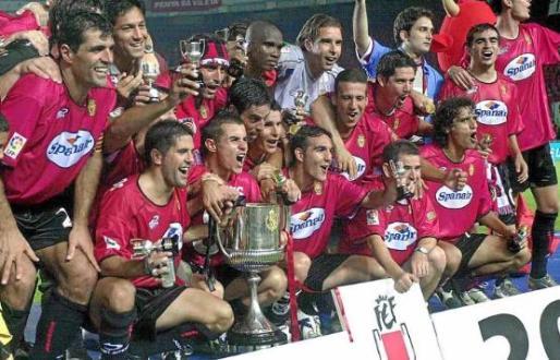 En 2003 el club alcanza la cima más alta de su historia al levantar el trofeo que conquistó en Elche ante el Recreativo.