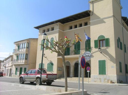 El municipio de Ses Salines forma parte del Migjorn de Mallorca, En la imagen, su ayuntamiento.