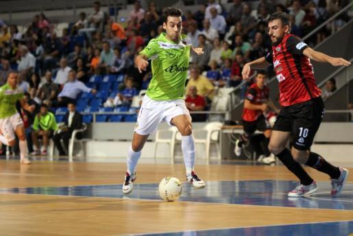 Imagen de archivo del jugador del Palma Futsal Sergio González, que se dispone a tirar a puerta.