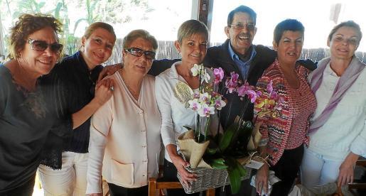 Juanita Pons, Mª José Frau, Fina Marí, Mónica Serra, Víctor Serra, Margarita Serra y Yolanda García.