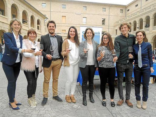 Rocío Gómez, Marga Tauler, Sebastià Ordinas, Maria del Camí Batle, Rosa Fullana, Marina Pastor, Biel Oliver y Cristina Basáñez.