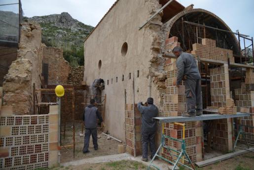 Reconstrucción de las casas de La Trapa.