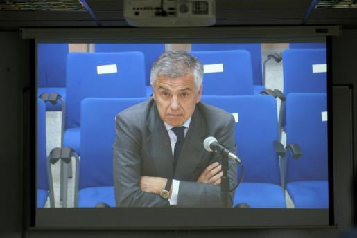 Imagen de la intervención de Juan Antonio Samaranch, miembro de la ejecutiva del Comité Olímpico Internacional (COI), uno de los seis testigos que declaran hoy ante el tribunal que juzga el caso Nóos.