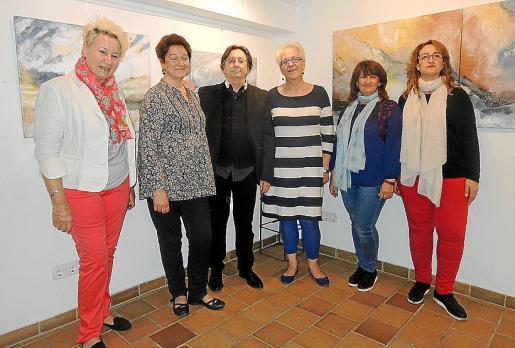 Silvia Bregar, Magdalena Monserrat, Félix Gutiérrez, Margarita Martorell, Marisol Martínez y María Dolores Martínez.