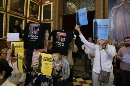 Los defensores y detractores del monumento de sa Feixina se volvieron a enfrentar.