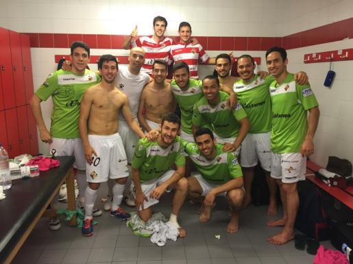 Los jugadores del Palma Futsal contentos por la victoria ante el Movistar Inter.