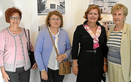 Margarita Balle, Joana Prats, Emiliana Martín y María García.
