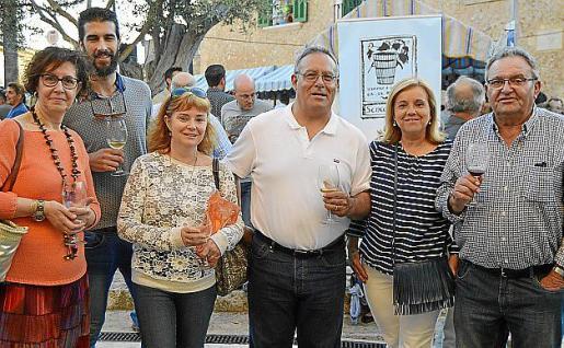 Coloma Serra, Alejandro Malbertí, Maria Villena, Tolo Prats, Victoria Cifre y Toni Ramis.