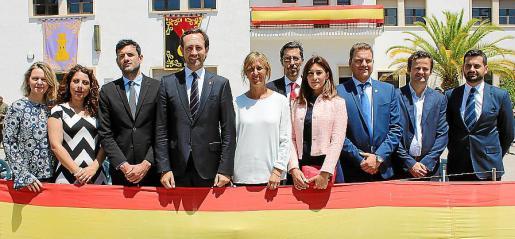 María Salom, Angélica Pastor, Josep Claverol, José Ramón Bauzá, Teresa Palmer, Fernando Navarro, Noemí Getino, Estanis Pons, Juan Martínez y Carlos Tarancón.