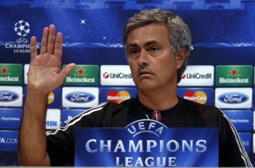 El técnico José Mourinho durante una rueda de prensa en su etapa al frente del Real Madrid.