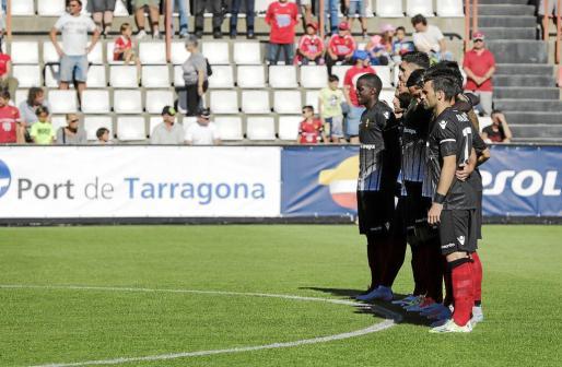 Los jugadores del Mallorca, en una imagen captada en el partido disputado en Tarragona.