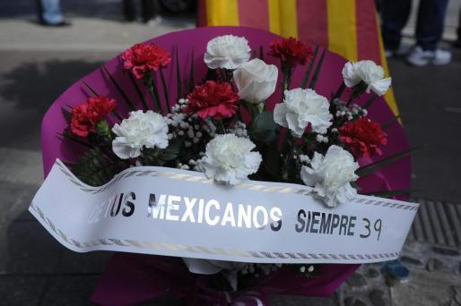 Uno de los centros dejados en recuerdo del trágicamente desaparecido Luis.