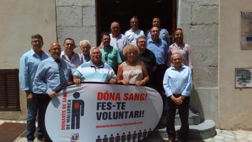 Miembros de la Associació de Donants de Sang de Mallorca reunidos en Selva.