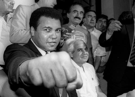 El boxeador Muhammad Ali, durante una rueda de prensa en la ciudad de México el 9 de julio de 1987.