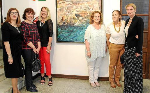 Lola Durán, Begoña Carrasco, Águeda Ropero, Jero Mayans, Gela García de los Reyes y Aina Aguiló.