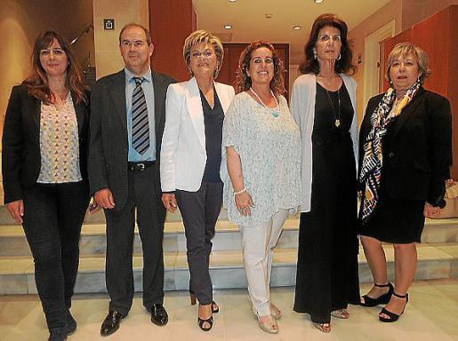 Amparo Vidal, José García, María Ramón, Jero Mayans, Carmen Planas y Catín Riera.