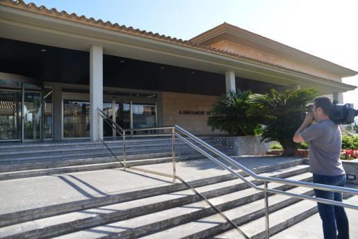 CALVIA - LA GUARDIA CIVIL INCAUTA MILES DE EXPEDIENTES SOBRE LA POLICIA LOCAL DE CALVIA.
