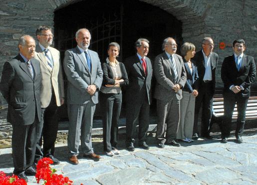 El patronato de la fundación, que en enero presidirá Balears, se encontró ayer en Andorra. Los representantes de los diferentes gobiernos posaron tras la reunión celebrada en la casa museo Areny y Plandolit de Ordino.