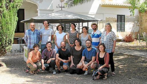 Dramaturgos, actores y personal del Hospital Psiquiàtric de Palma.