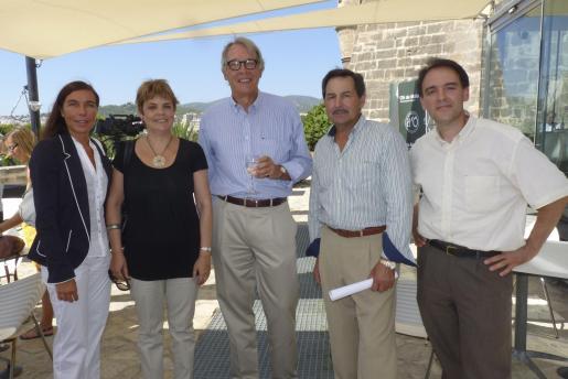 Pilar Carbonell, Maria Lluïsa Dubon, Àlvaro Middelmann, Pep Oliver y Bartomeu Deyá.