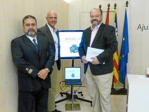 Manuel Nieto (a la izquierda) junto a Enrique Calvo y Guillermo Navarro.
