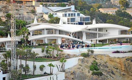 La casa, obra del arquitecto Alberto Rubio, sobre el mar, donde se celebró la fiesta.