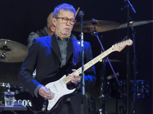 El músico británico Eric Clapton durante su actuación en el festival musical Baloise Session de Basilea en 2013.