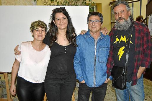 Laia Martínez, Aina Capdevila, Sebastià Marí y Max.