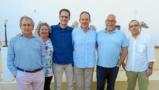 Juan Gangutia, Ángeles Forteza, Ferran Forteza, Pep Forteza, Miguel Ángel León y Xisco Sastre.