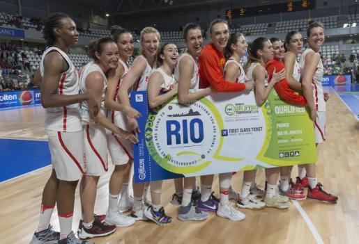 La selección española de baloncesto ha sellado este viernes su pasaporte hacia los JJOO de Río tras imponerse a Corea en el preolímpico que se disputa en Nantes. La mallorquina Alba Torrens y Sancho Lyttle han sido las jugadores más destacadas del combinado español.
