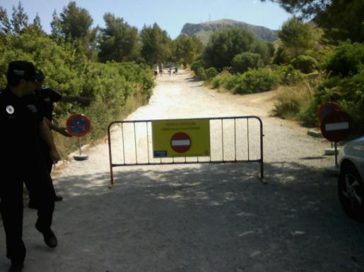 Imagen de la barrera colocada por la Policía Local de Artà.